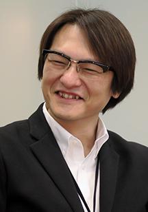 制作部 カタログ制作課 里田 豊康