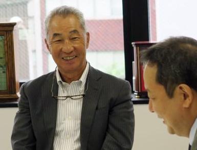 UCDA 在間稔允理事長と元日経デザイン編集長/株式会社コンシリウム代表取締役 勝尾 岳彦
